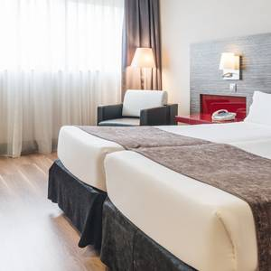 CORPORATE SINGLE ROOM Hotel ILUNION Barcelona Barcelona